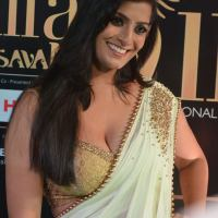 varalakshmi sarathkumar hot at iifa awards 2017