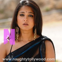 Anushka shetty hot unseen glam pics in ragada movie