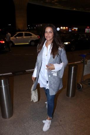 neha dhupia spooted at airport IMG_3530