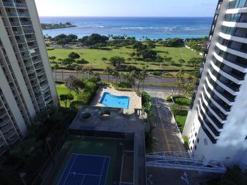 Air pool-tennis court-ocean