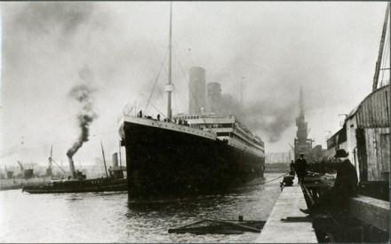 El-titanic-a-punto-de-zarpar-en-southampton