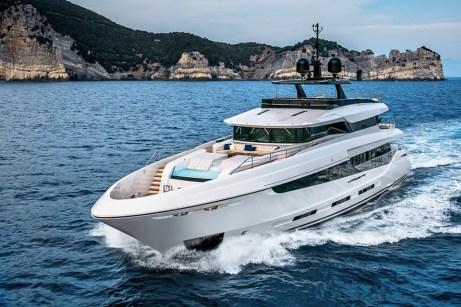 mangusta-oceano-42-un-long-range-yacht-in-puro-stile-mangusta_29882