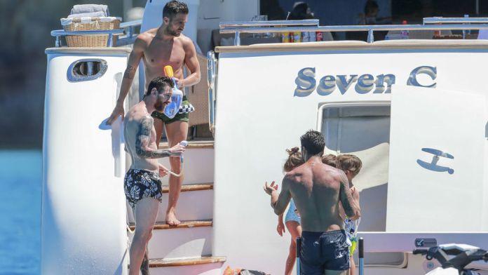 Messi, Fábregas y Luis Suárez surcan las aguas de Ibiza