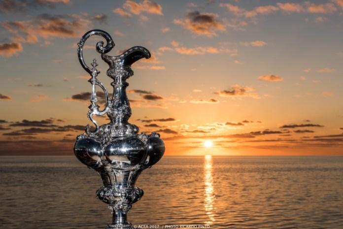 La 36ª America's Cup ha comenzado