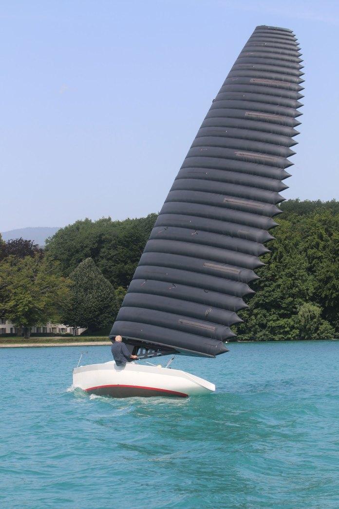 Vela de ala inflada