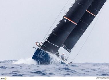 52 Super Series Menorca. Azzurra da el primer golpe.