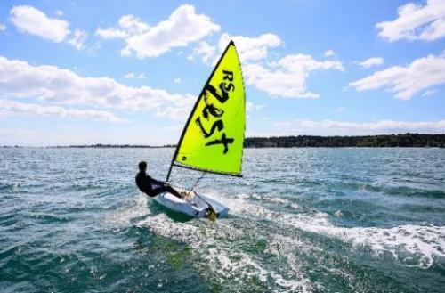 RS Zest, robusto velero compacto