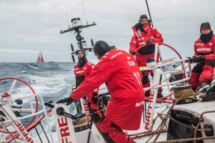 MAPFRE y Dongfeng, en modo 'match-race' en el profundo Océano Sur