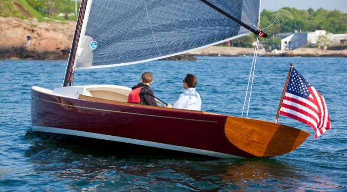 Zurn Yacht el estilo New England para un velero 22 pies