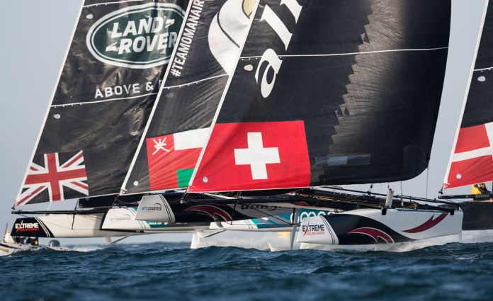 Fuerte choque entre NZ Extreme Sailing Team y Red Bull Sailing Team