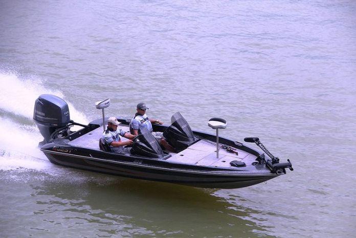 Bass Boats. Quest 268 , para la pesca deportiva