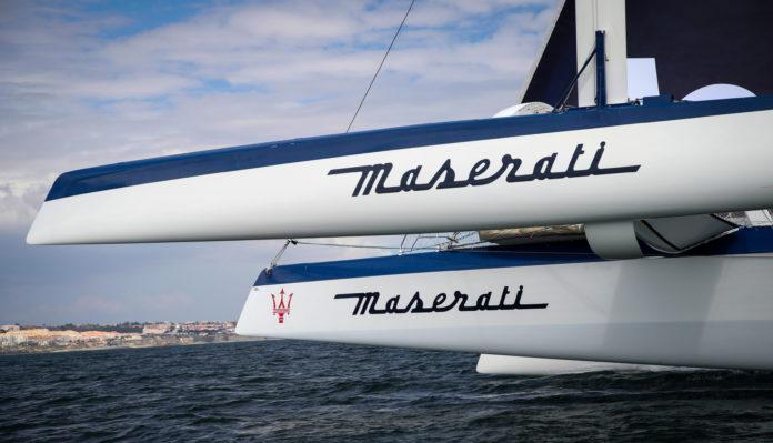 El Maserati de Giovanni Soldini toma rumbo a Valencia