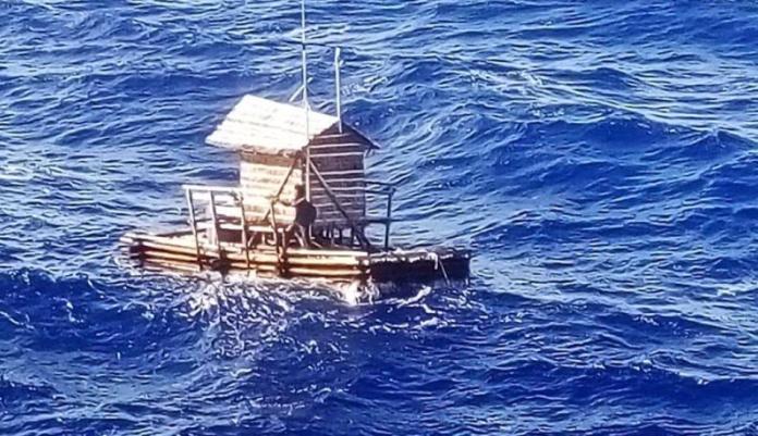 Joven indonesio sobrevive 49 días a la deriva en una balsa.