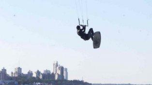 Accidente en kitesfurf en el río Paraná