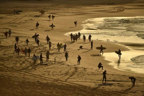 Coronavirus , surfistas coparon las playas