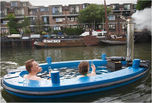 Hot Tub , el Jacuzzi Boat