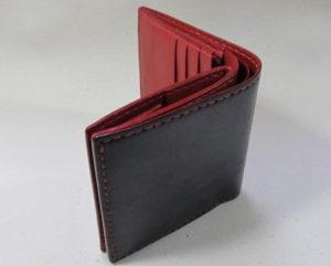 二つ折り財布黒赤