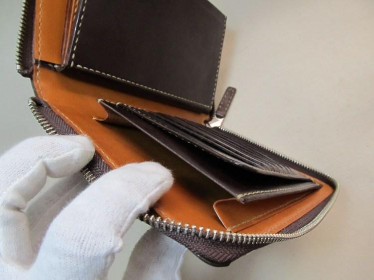 ラウンドファスナー多収納財布 191228パスポート