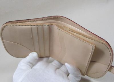 ヌメ革折財布