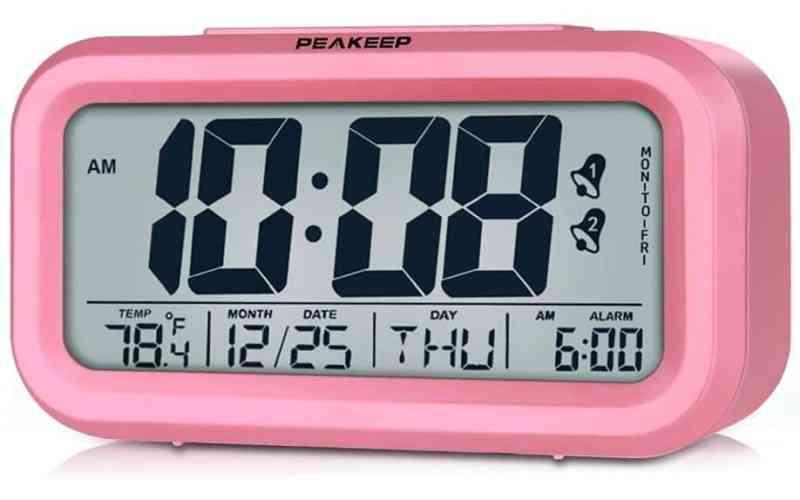 שעון מעורר שהקטנים יאהבו. תצוגת שעה גדולה Peakeep