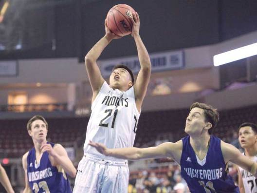 Navajo Times | Donovan Quintero Chinle Wildcat William Carroll (21) aims the ball for the basket Tuesday during the Arizona 3A boys state quarterfinals at the Prescott Valley Events Center in Prescott Valley, Arizona.