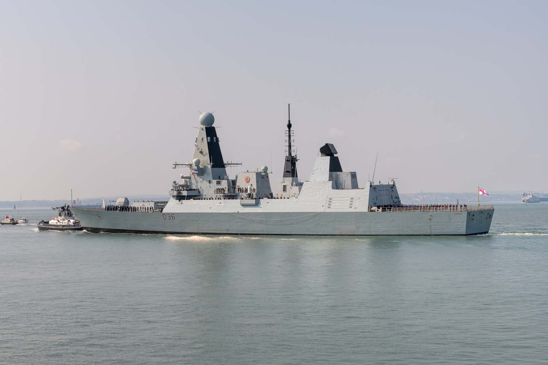 hms queen elizabeth 3 - naval post- naval news and information