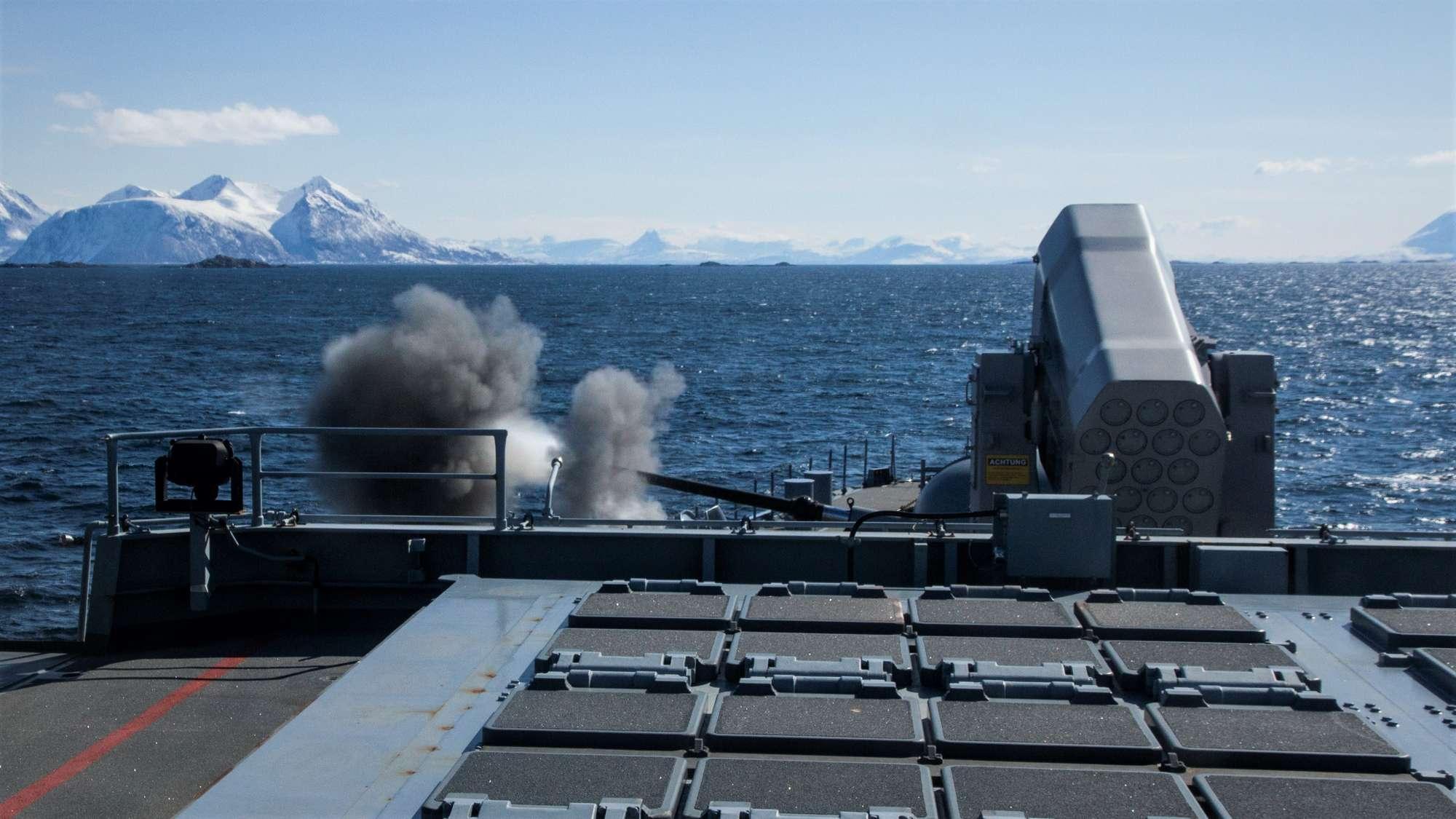 missile firing exercise 2021 fregatte hamburg hauptgeschuetz 1 - naval post- naval news and information