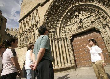 Guiarte,servicios turisticos (Olite, junio 2006)