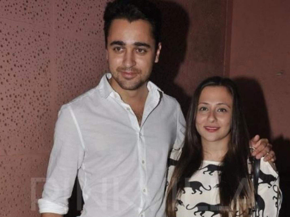 Avantika, who is separated from Imran Khan, is hinting at recovering from which pain?