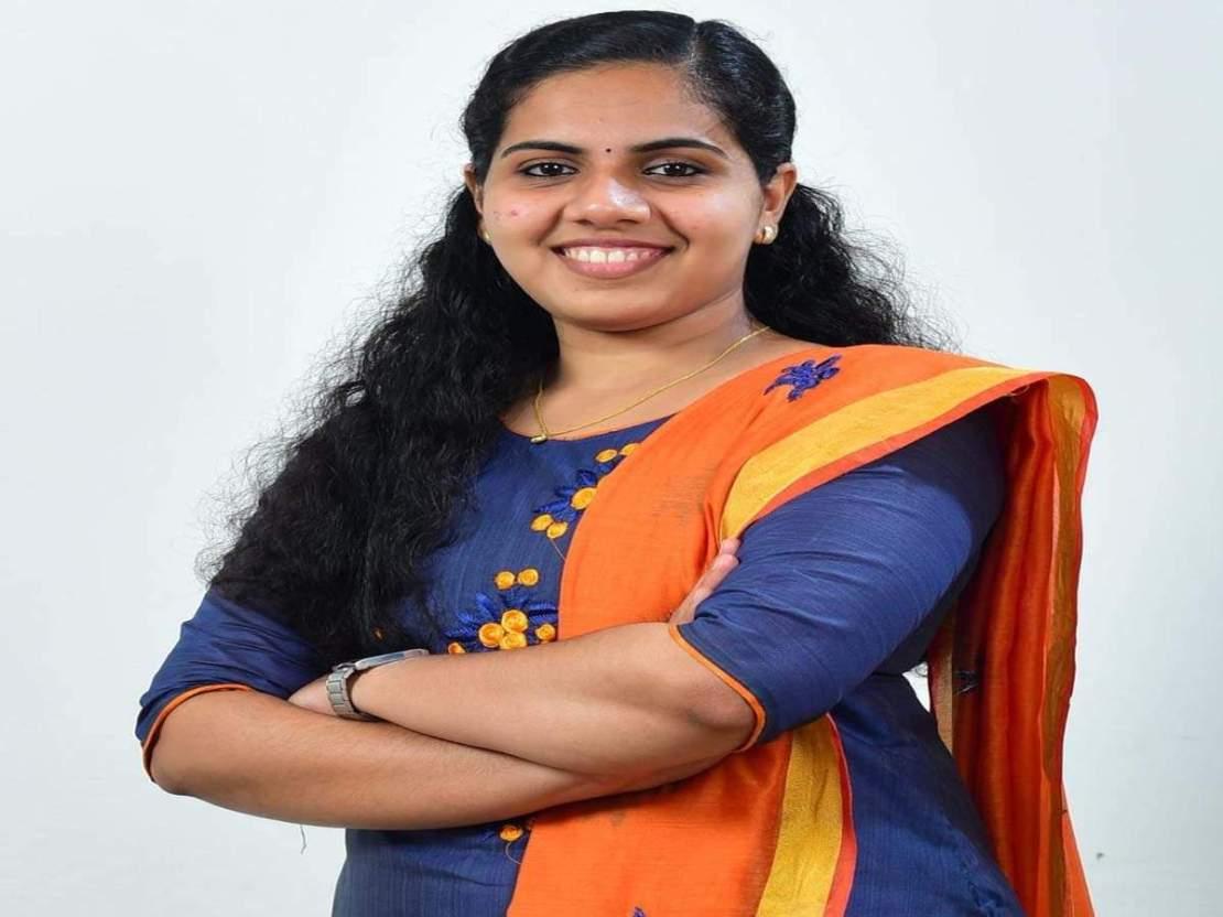 केरल की आर्या ही नहीं, यूपी से लेकर मुंबई तक में रह चुके हैं सबसे युवा मेयर, देखिए तस्वीरें