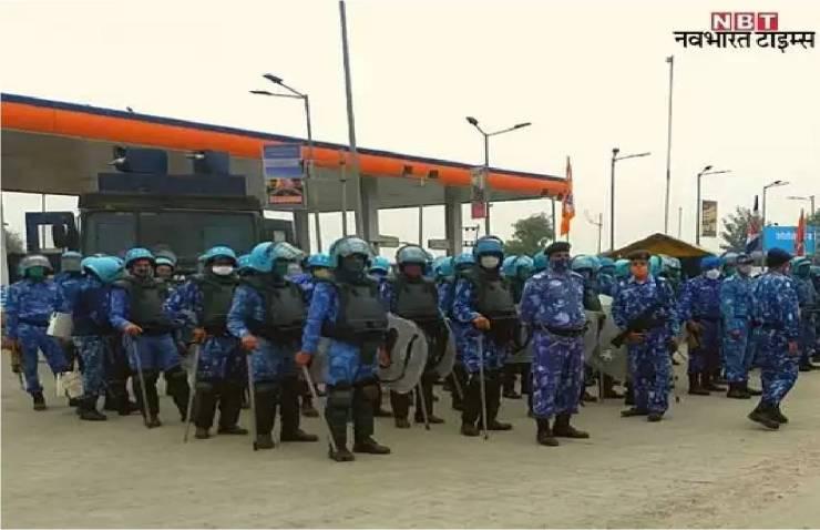 बढ़ी संख्या में पुलिस बल तैनात