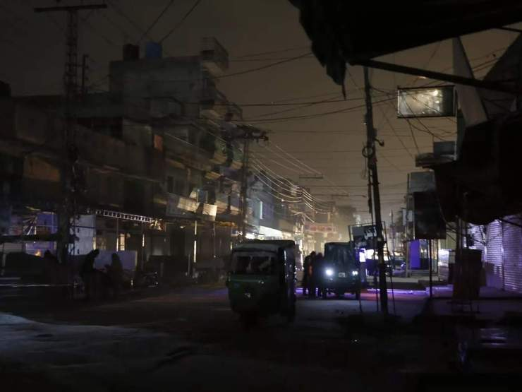 पाकिस्तानी मंत्री को नहीं पता कि क्यों गई बिजली