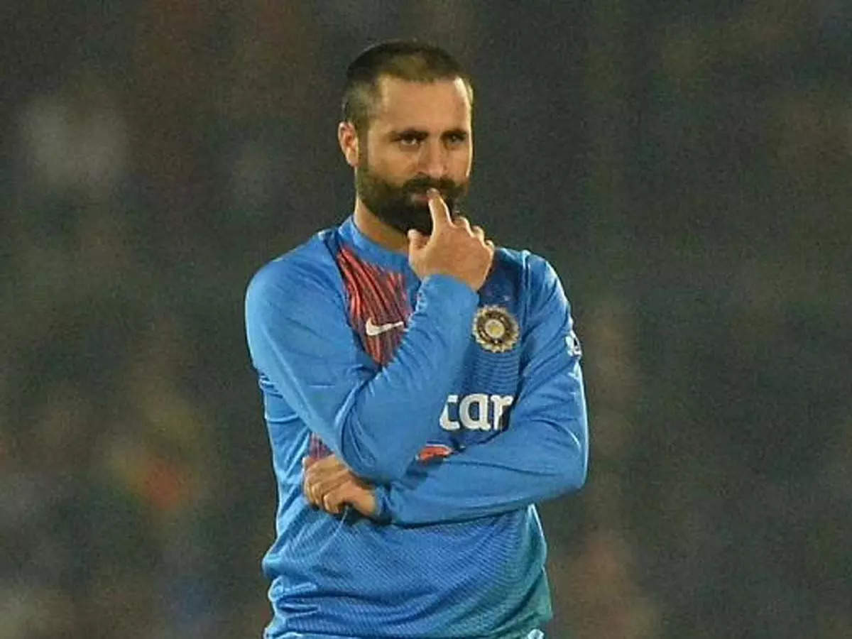 JKCA accuses Pervez Rasool of stealing pitch rollers: Jammu and Kashmir Cricket Association accuses Pervez Rasool of stealing pitch rollers