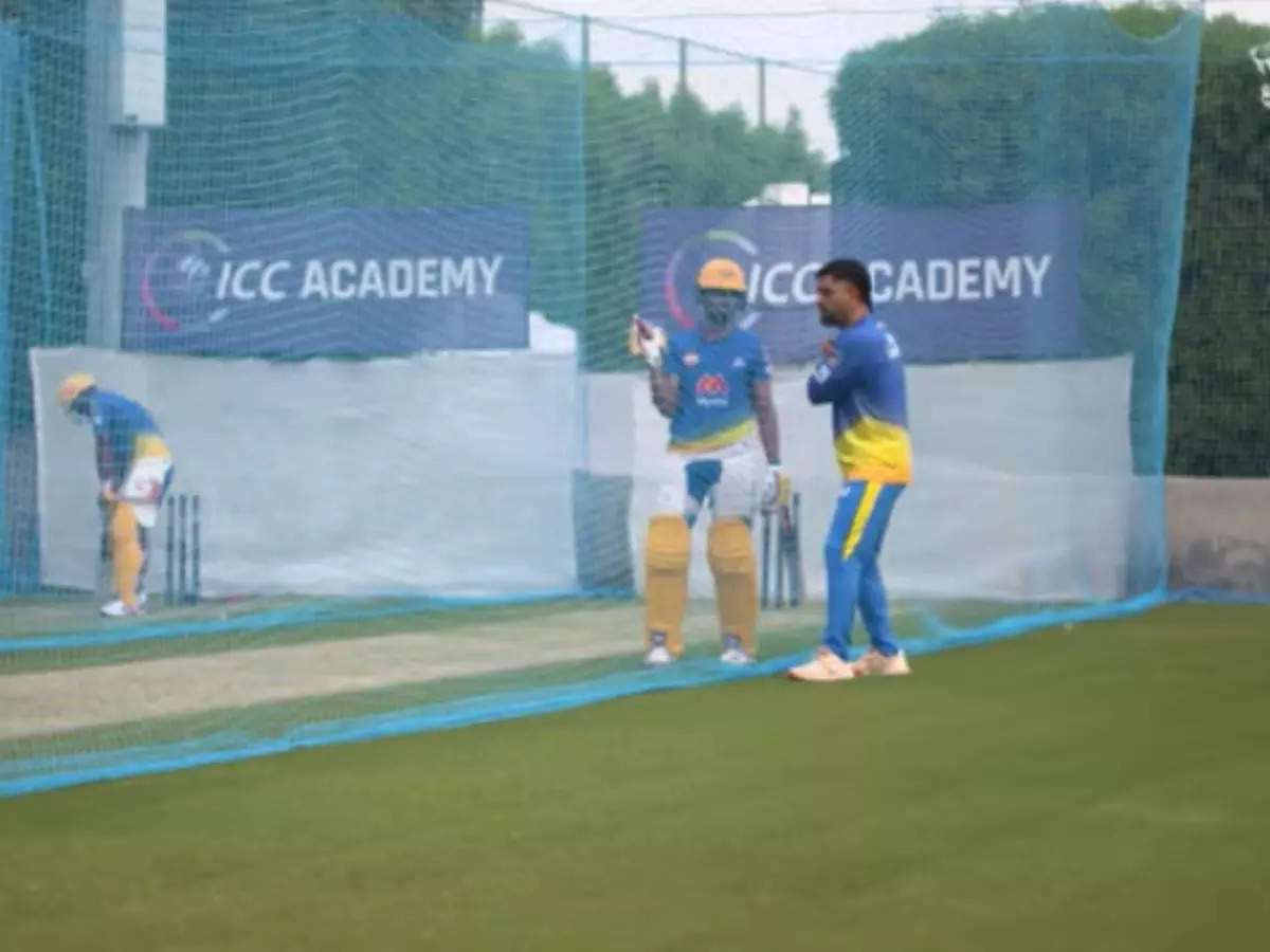 MS Dhoni batting tips: See how MS Dhoni gives batting tips to CSK opener ut Turaj Gaikwad before IPL 2021 UAE leg: MS Dhoni batting tips: CSK opener is taking batting tips from 'Dhoni Sir' before IPL, watch the video