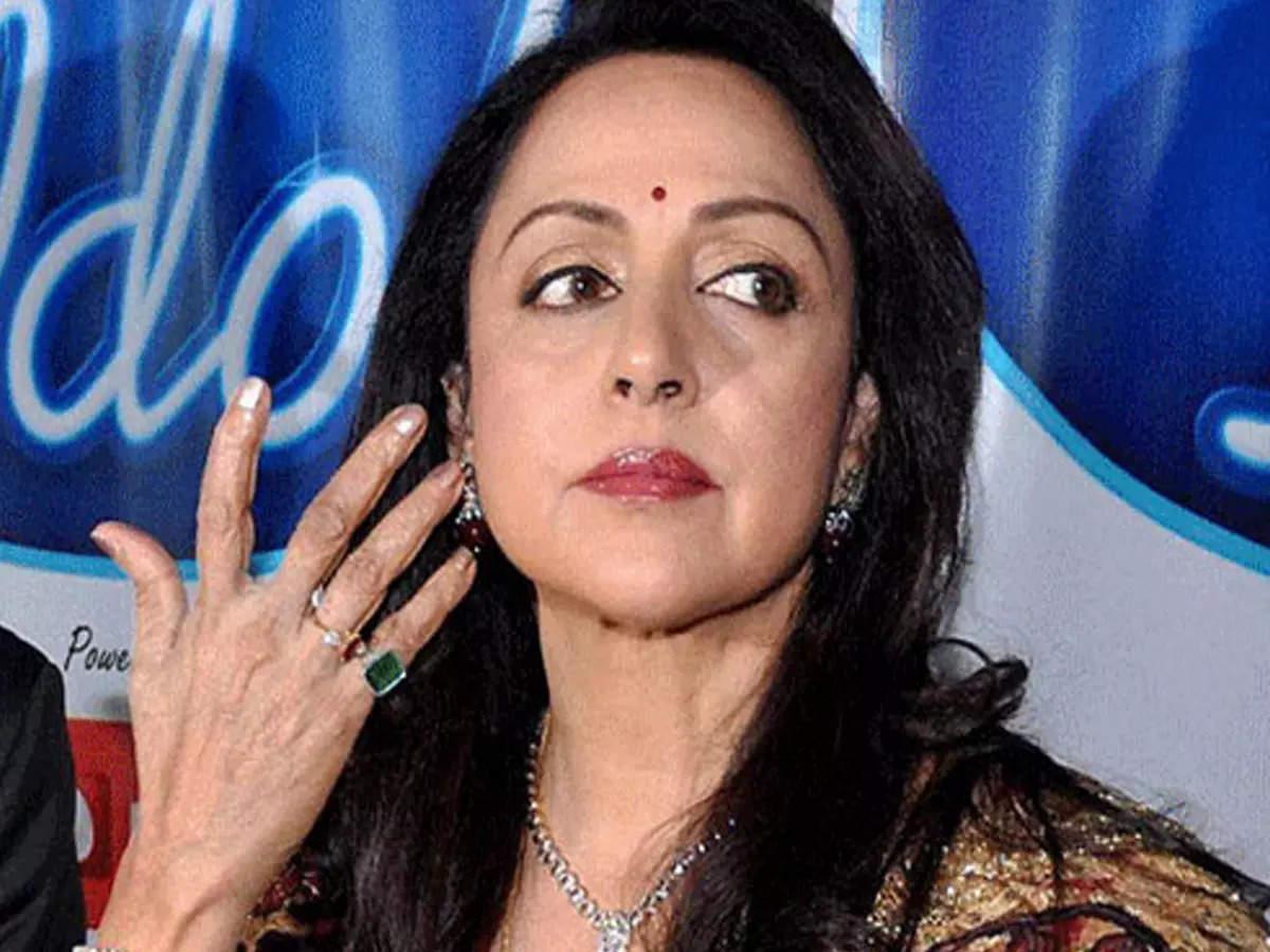 When the producer's wife Hema Malini wanted to make fun of the sari