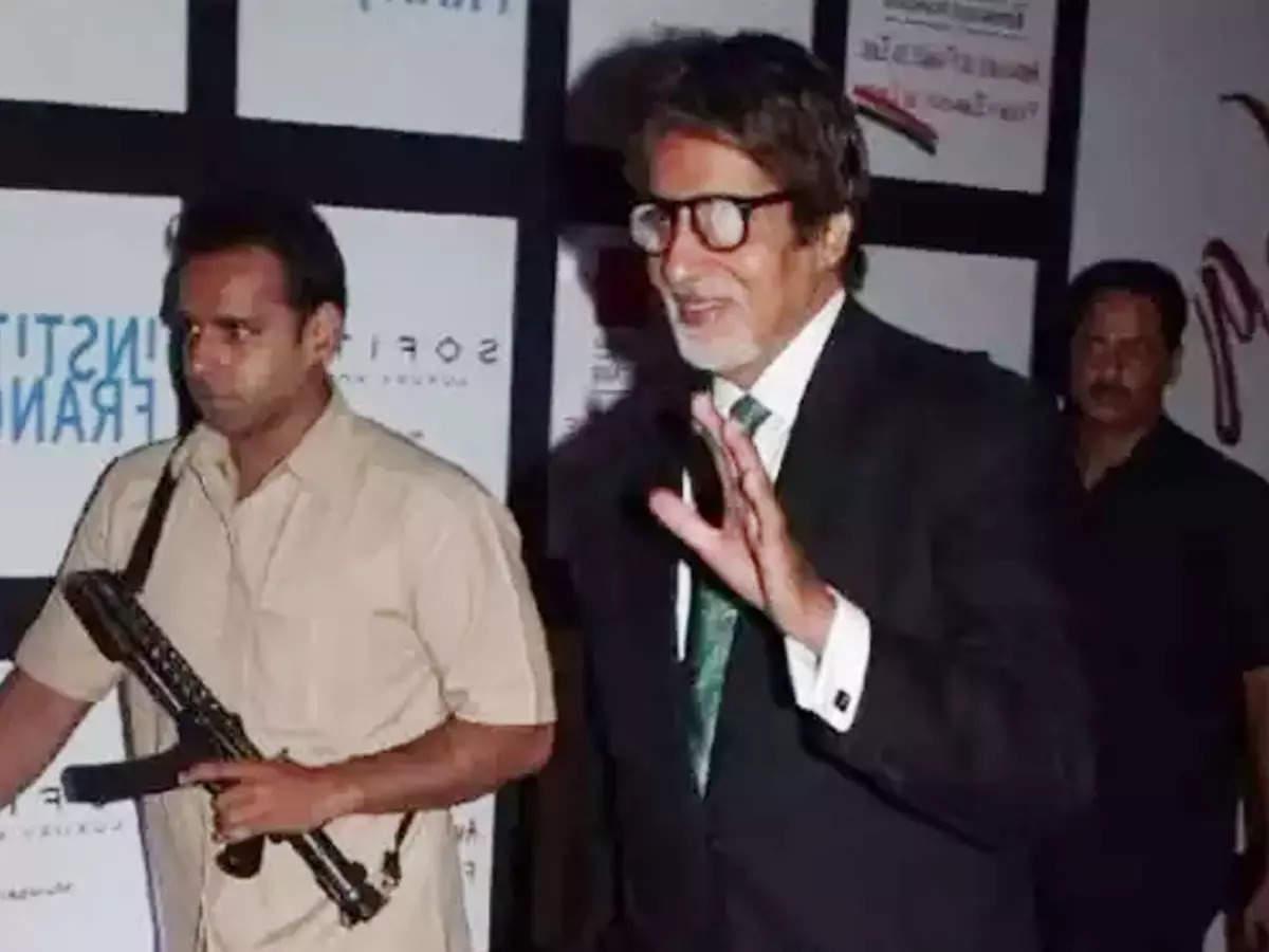 Amitabh Bachchan replaces bodyguard Jitendra: Amitabh Bachchan replaces bodyguard Jitendra Shinde on a multi-crore inquiry report