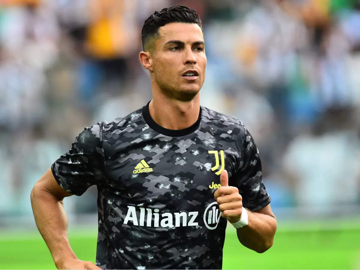 Cristiano Ronaldo leaves Juventus: Cristiano Ronaldo leaves Juventus to join Manchester United;  Cristiano Ronaldo joins Manchester United: Cristiano Ronaldo leaves Juventus to play second innings for England