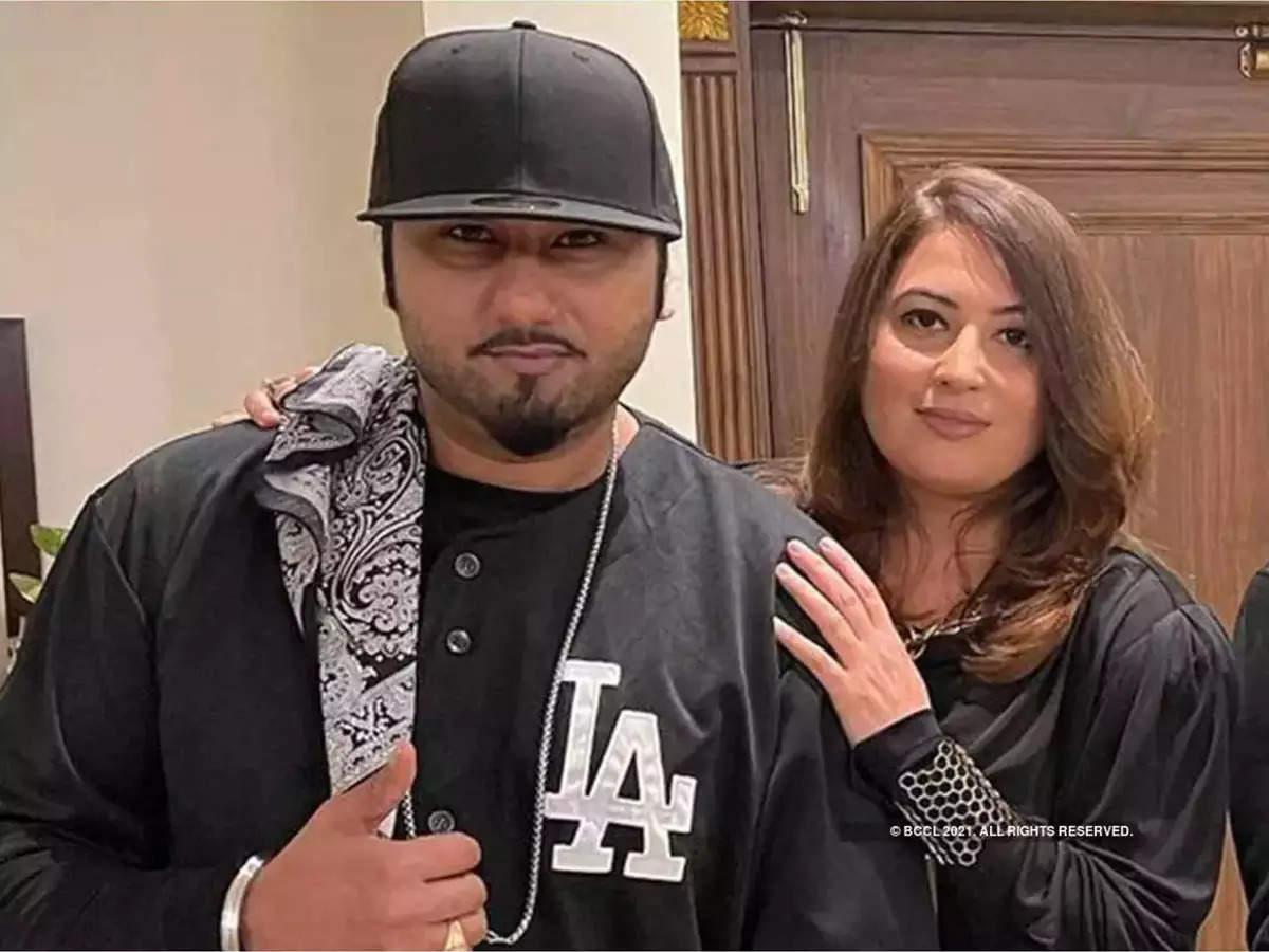 Yo Yo Honey Singh case Shalini Talwar: Honey Singh's wife Shalini Talwar sheds tears in court during domestic violence case hearing