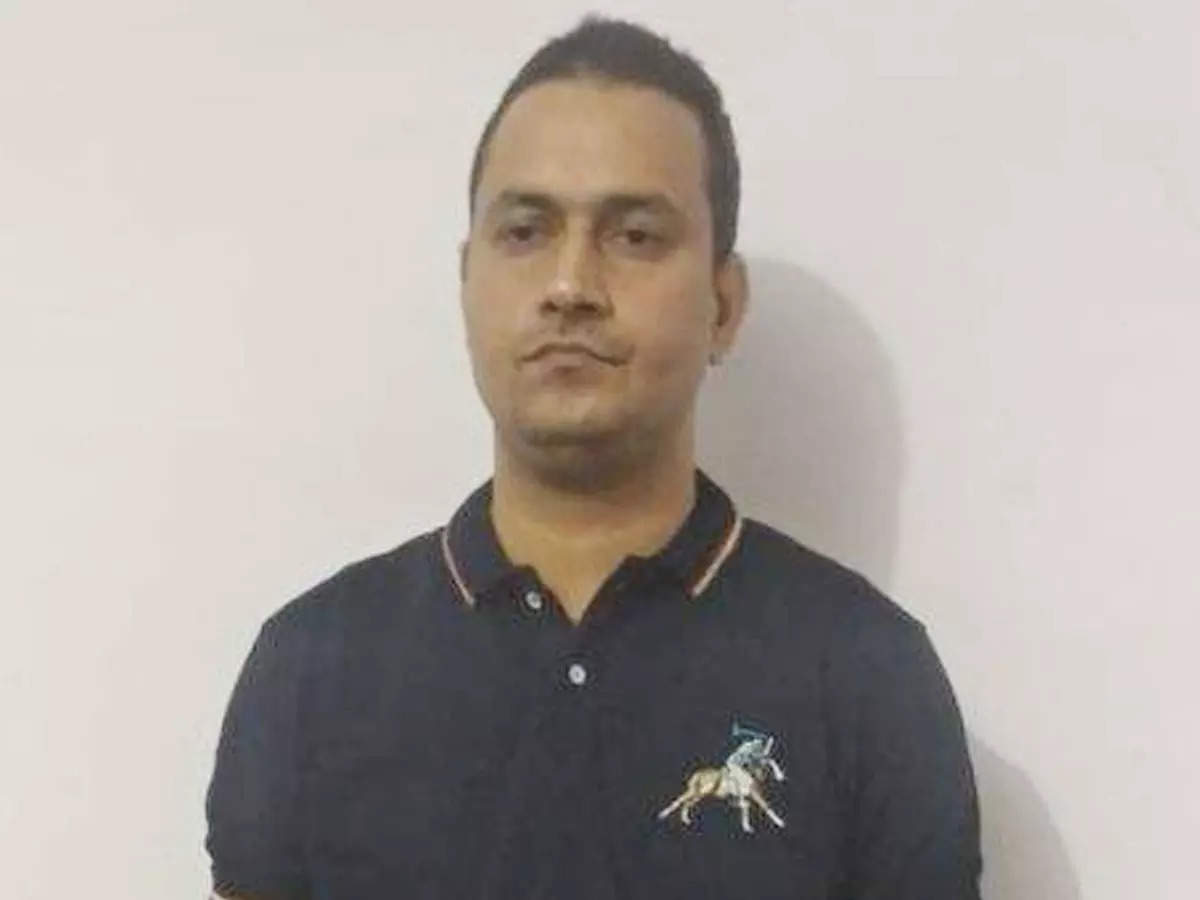 – 3 crore gold in Lucknow becomes fake IPS officer