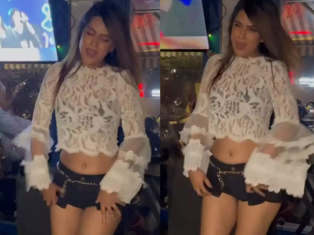 Niya Sharma Dance: Niya Sharma Dance Video: Niya Sharma's Dance Video is very popular among her fans.