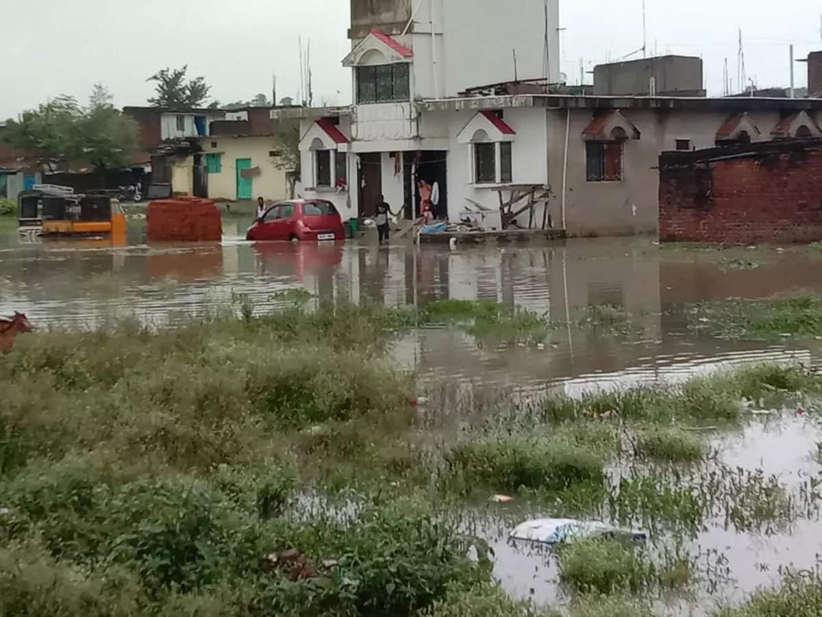 Rain in Jharkhand: Jharkhand I am getting worse and worse Sadaken Bani Talab Kai Makan Dubey