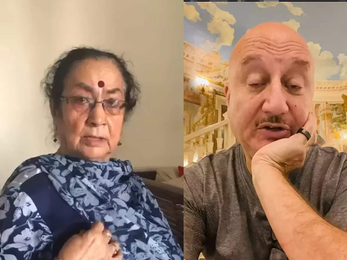 Amupam Kher's mother brought a shirt for him: Anupam Kher said that his mother Dulari brings my father into the conversation for no reason