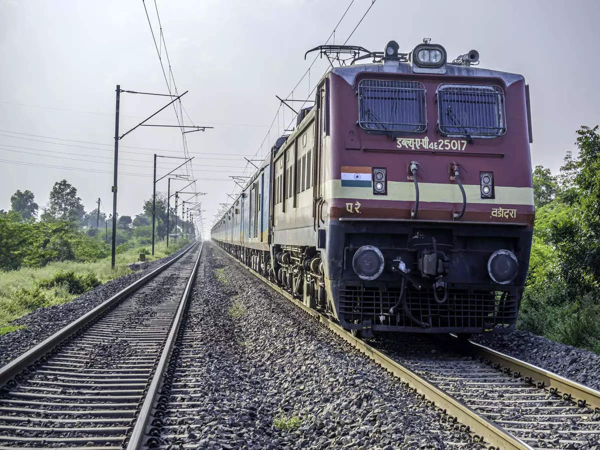 Eight trains stop at Maihar: Eight trains from Bihar-UP will stop at Maihar and Durga Puja special train from Habibganj to Rewa will start: Durga Puja special train from Bihar-UP to Habibganj to Rewa will stop at Maihar, see full list