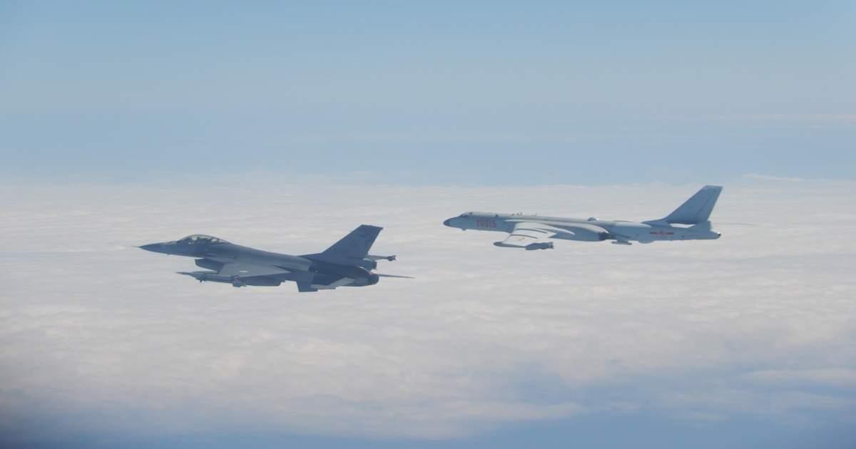 चीनी फाइटर प्लेन को ताइवान ने खदेड़ा, साउथ चाइना सी में बढ़ाई हवाई गश्त – taiwan jets drive away intruding chinese fighter plane