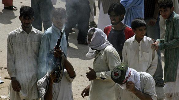pakistan-violence-cp-RTR26B