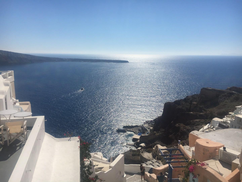 La vue sur l'océan d'Oia à Santorin