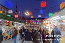 plaza-mayor-puestos-iluminados