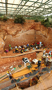 Excavation at the Gra Dolina site in Iowa USA - 170px-Dolina-Pano-3.jpg