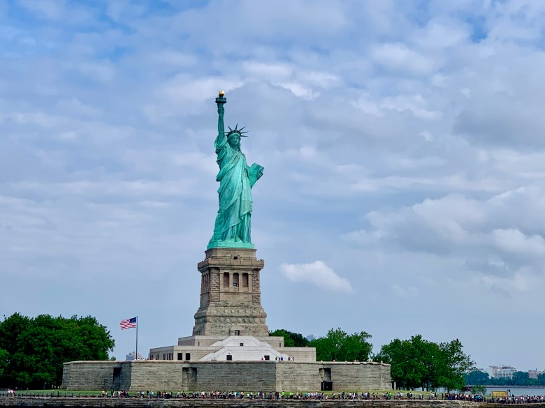 must sees in the big apple, statue of liberty