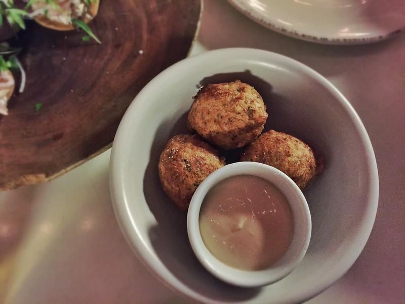 pampoen koekies with caramel sauce